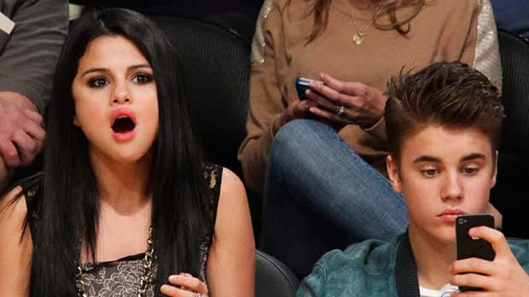 Selena & Justin Have Been Photographed Kissing Like It's 2010 - 2014