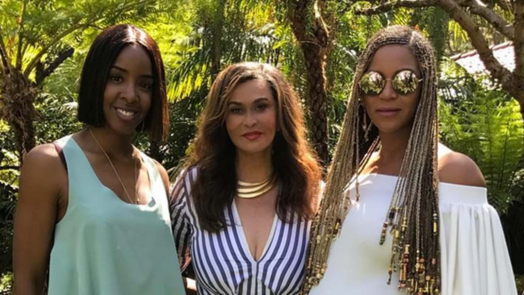 Beyoncé Flaunts Her Baby Bump During Easter Celebrations With Kelly Rowland