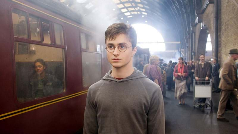 Daniel Radcliffe Helps London Tourist Slashed in Face by Moped Muggers