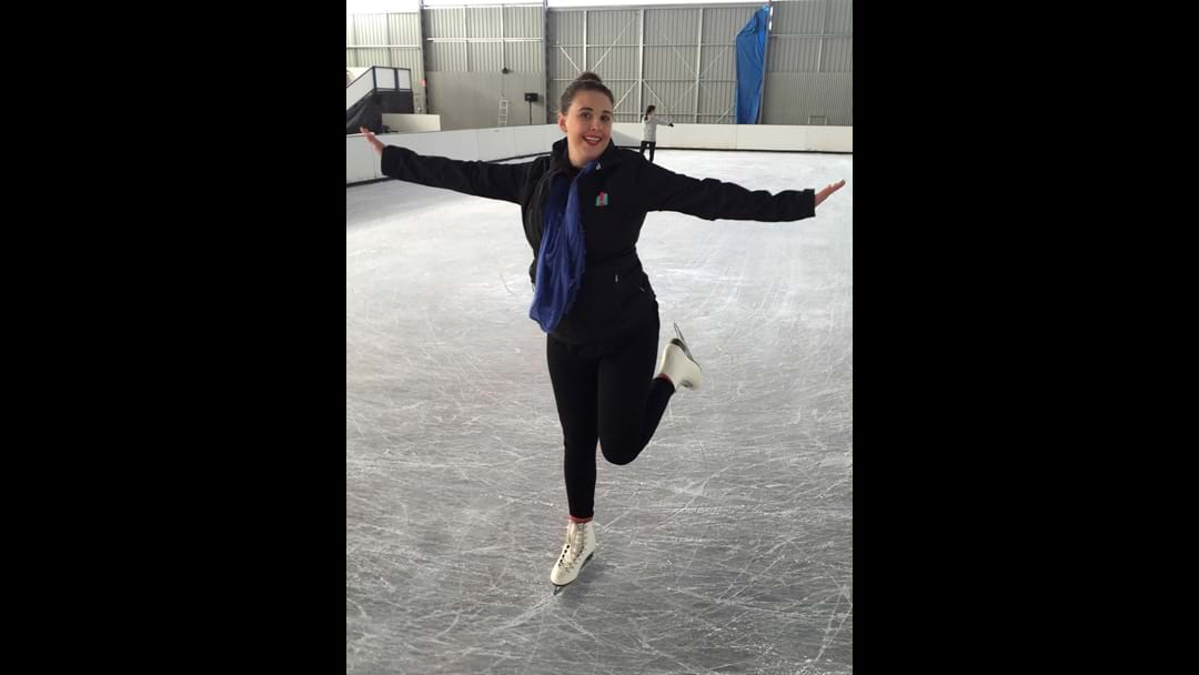 Stef shows us the tips & tricks for Ice-Skating
