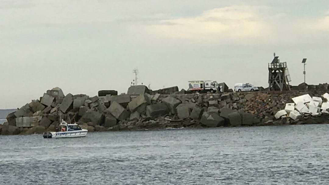 Police Yet To Identify Man's Body Found At Nobbys Breakwall