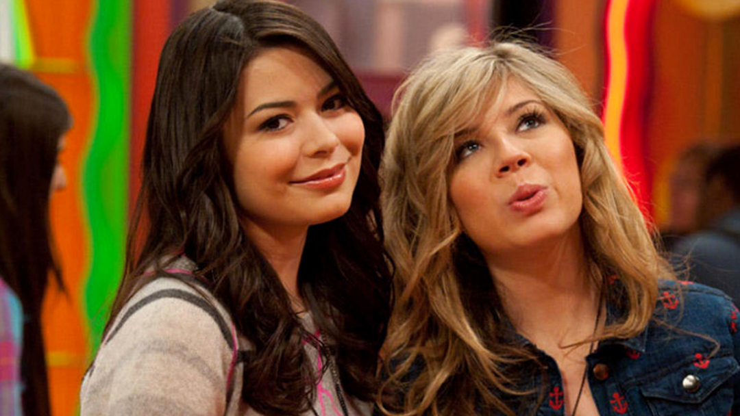 Fans Are Losing Their Sh@# Over iCarly's Doppelgänger