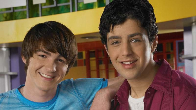 Drake & Josh reunited at the MTV VMAs - and fans are going insane