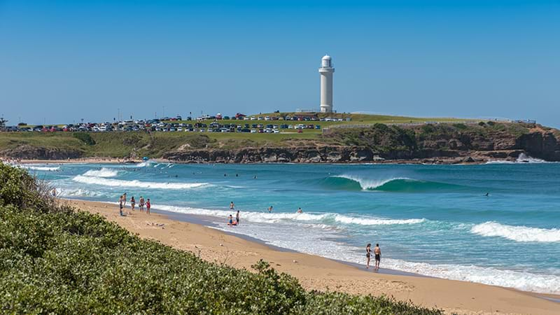 Man drowns trying to save kids from rip at NSW beach