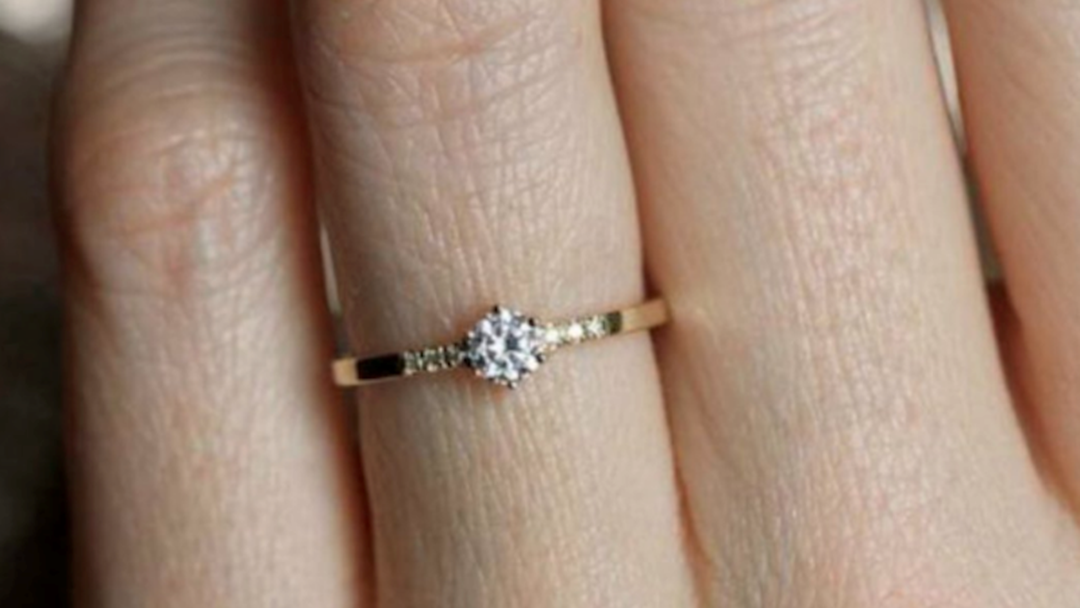 Woman Shames Engagement Ring, Whole Internet Loses Their Sh@#