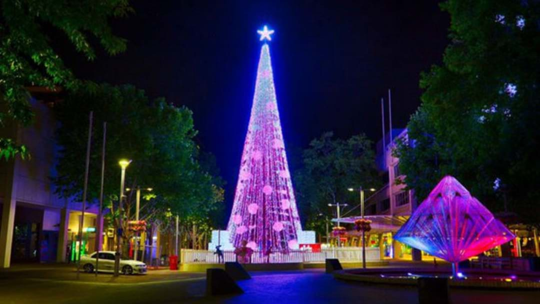 CANBERRA'S CHRISTMAS TREE: UGLY OR FESTIVE?