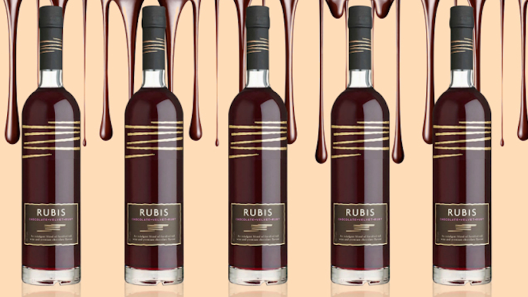 Aldi Is Releasing CHOCOLATE WINE For Christmas & OMFG