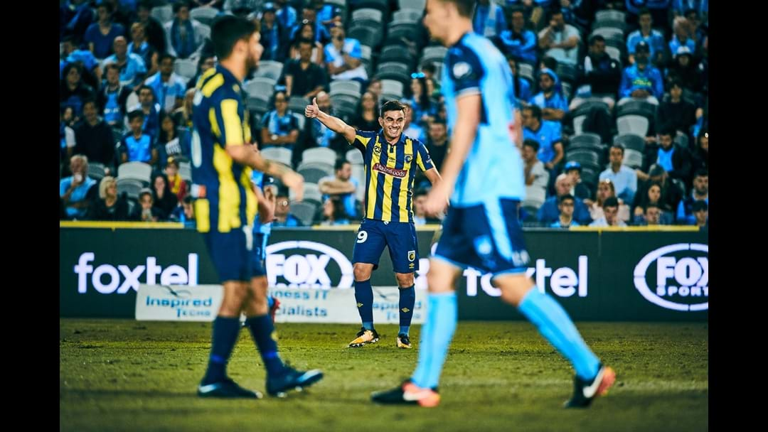 Central Coast Mariners Beat Sydney FC 2-0