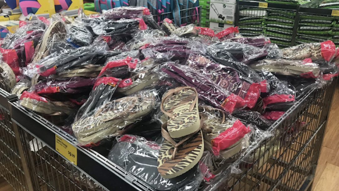 Aldi Is Selling Havaianas For $9.95 & They're The Perfect Stocking Stuffer