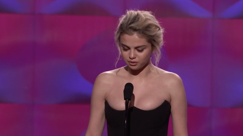 Selena Gomez Breaks Down During Billboard's Speech