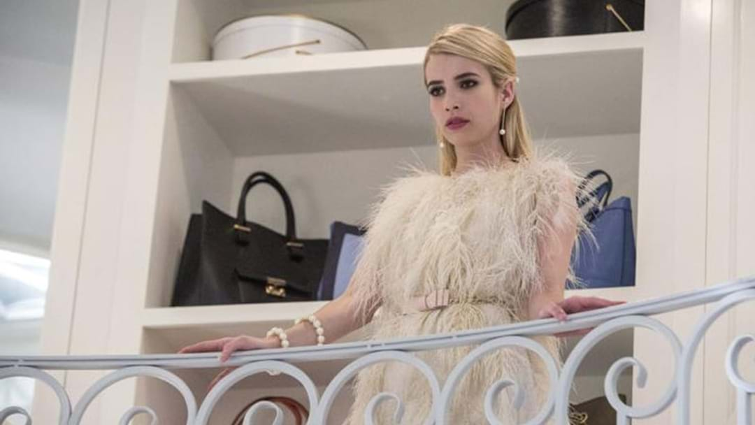 Emma Roberts Has A Bold New 'Do & People Just Can't Handle It!