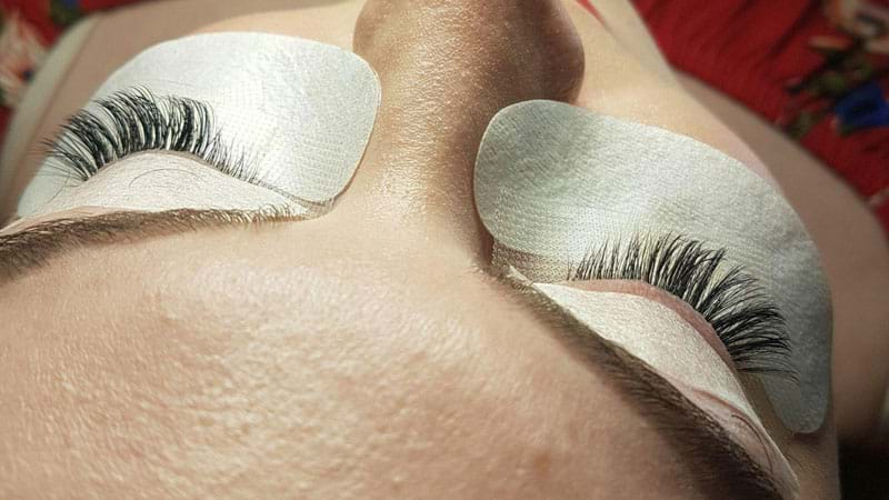 Article heading image for HEALTH WARNING: What You Need To Know Before Getting Eyelash Extensions