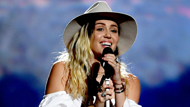 Miley Cyrus takes Name That Song Challenge on 'Tonight Show'