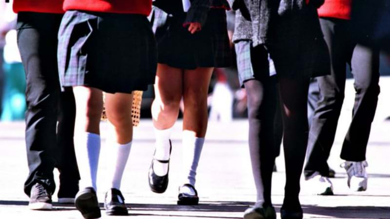 Principal fat shames teenage students for wearing leggings