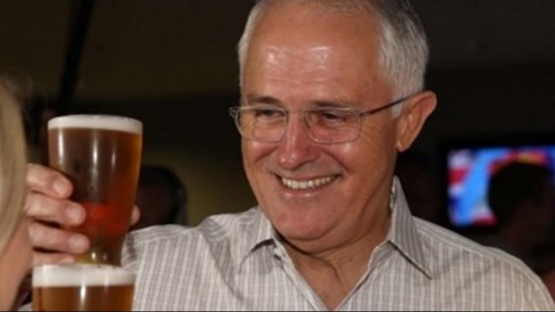 Man Fined By Police After Giving PM Turnbull 'The Finger' For Cutting In Line At The Pub