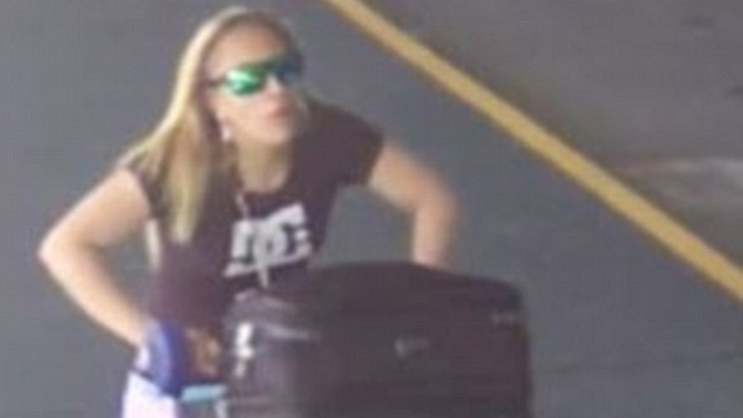 Luggage Thief Walks Off With Bags From Melbourne Airport