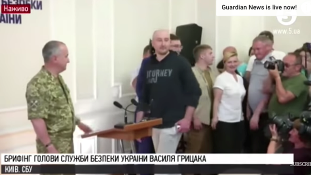 Murdered Russian Journalist Turns Up At Press Conference About His Own Death