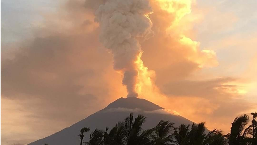 Bali Holiday Plans And Flights In Chaos After Mount Agung Erupts, Again