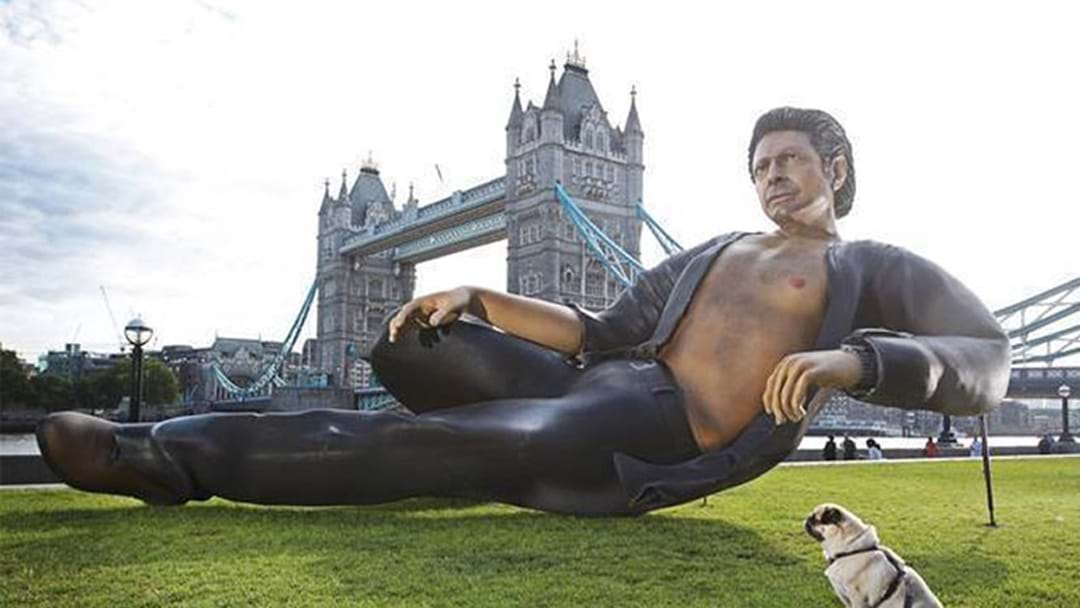 A Giant Sexy Jeff Goldblum Statue Has Been Built In London By A Genius
