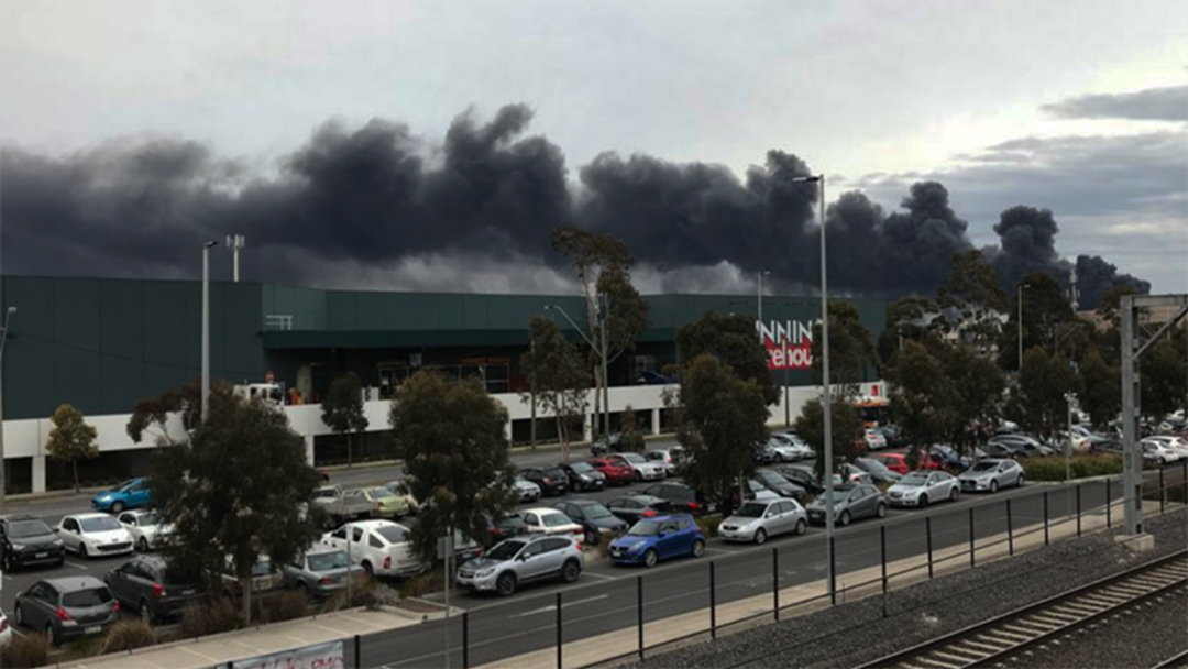 The Most Stunning Images Of The West Footscray Factory Fire