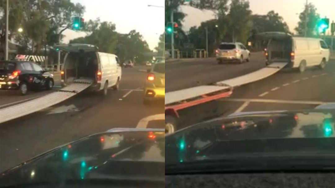 Townsville Van's Outrageous #TowingTechnique Has The Whole Country Saying WHAT THE?!