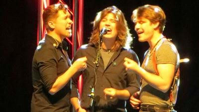 Hanson Has Dropped A New Christmas Album