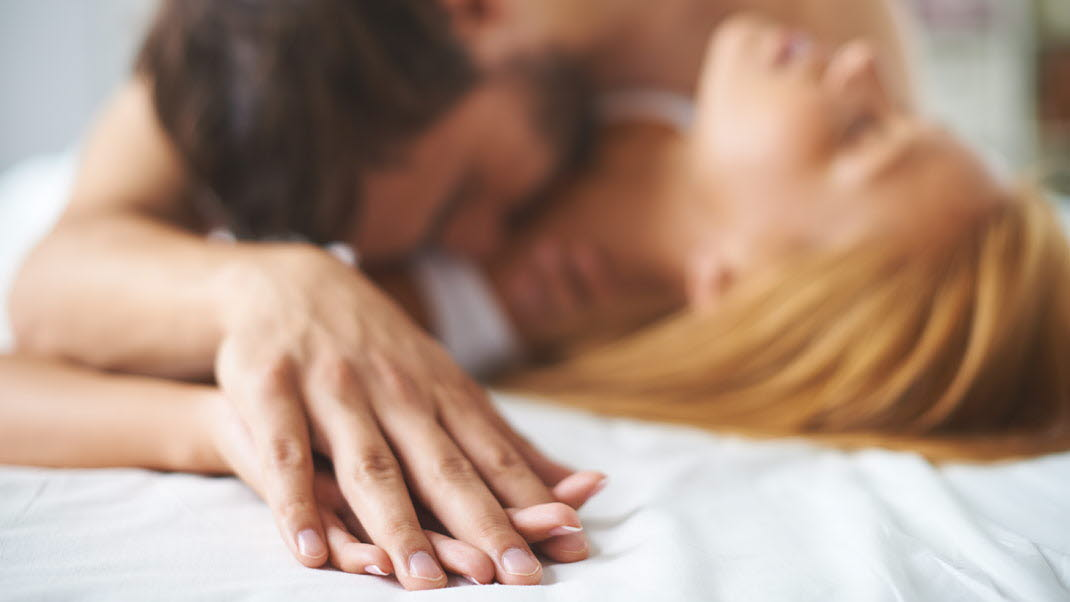 How to sex hand partner
